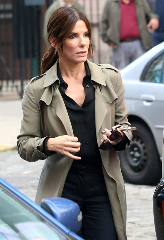 cate-blanchett-sandra-bullock-movie-set-oceans-eight-costumes-tom-lorenzo-site-7