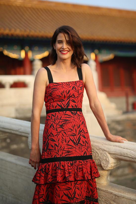 cobie-smulders-tom-cruise-jack-reacher-never-go-back-beijing-movie-premiere-red-carpet-fashion-tom-lorenzo-site-3