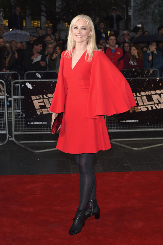 joely-richardson-2016-bfi-london-film-festival-snowden-premiere-red-carpet-fashion-tom-lorenzo-site-tlo-4