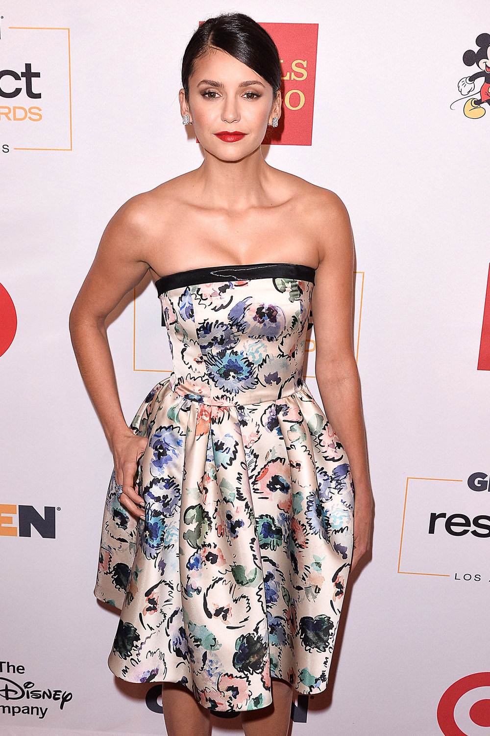 nina-dobrev-2016-glsen-respect-awards-red-carpet-fashion-girogio-armani-tom-lorenzo-site-1