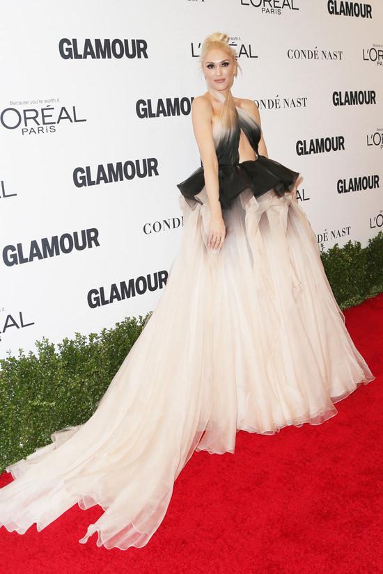 gwen-stefani-glamour-women-year-awards-2016-red-carpet-fashion-marchesa-tom-lorenzo-site-4