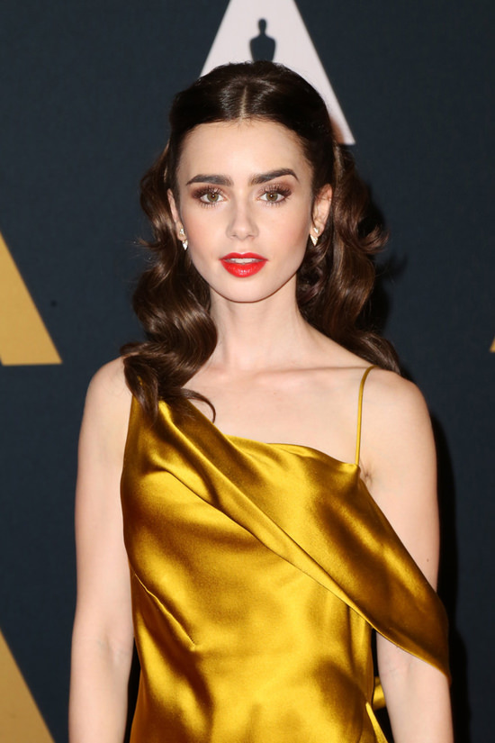lily-collins-2016-governors-awards-red-carpet-fashion-amanda-wakeley-tom-lorenzo-site-2