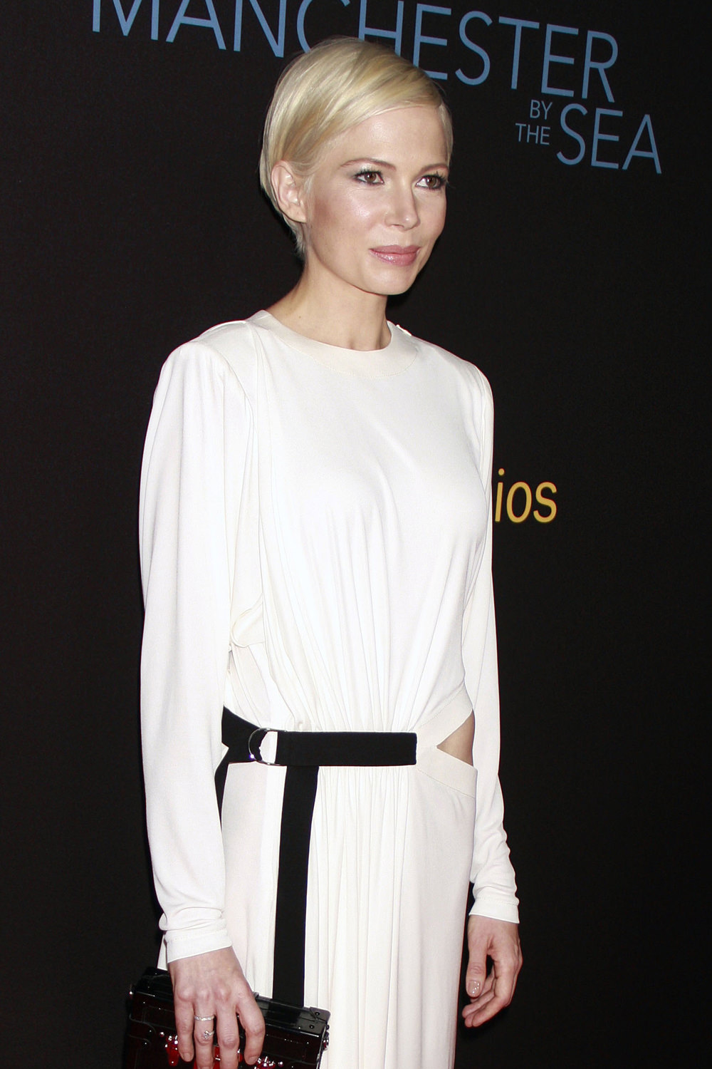 michelle-williams-manchester-by-the-sea-movie-premiere-red-carpet-fashion-louis-vuitton-tom-lorenzo-site-2