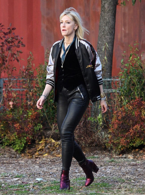 sandra-bullock-cate-blanchett-oceans-eight-movie-set-costumes-11172016-tom-lorenzo-site-5