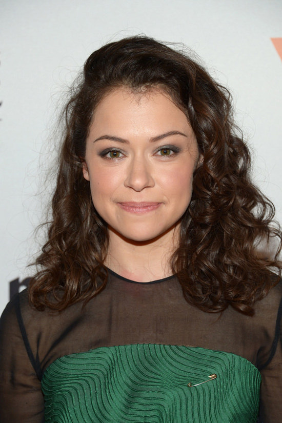 tatiana-maslany-marie-claire-2016-young-women-honors-red-carpet-fashion-mary-katrantzou-tom-lorenzo-site-2