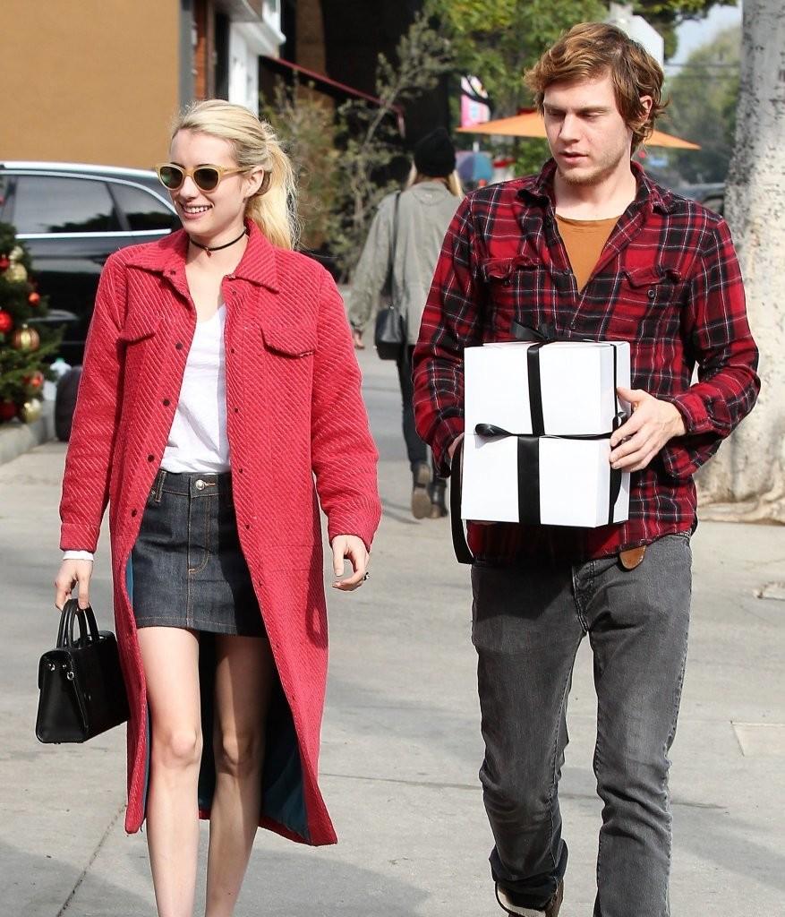 emma-roberts-evan-peters-sbtupss-street-style-fashion-tom-lorenzo-site-1