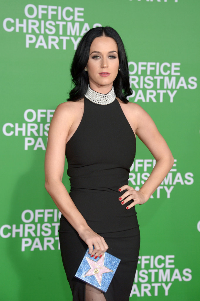 Katy Perry Goes Lightly at the \