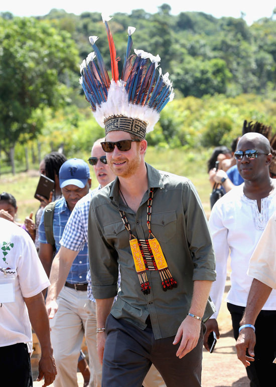 prince-harry-visits-the-carribean-tom-lorenzo-site-10