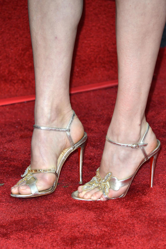 amy-adams-honored-hollywood-walk-fame-star-red-carpet-fashion-giorgio-armani-christian-louboutin-tom-lorenzo-site-6