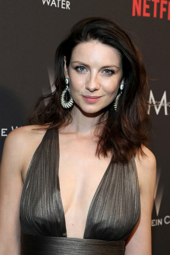 caitriona-balfe-instyle-golden-globes-after-party-2017-red-carpet-fashion-maria-lucia-hohan-tom-lorenzo-site-3