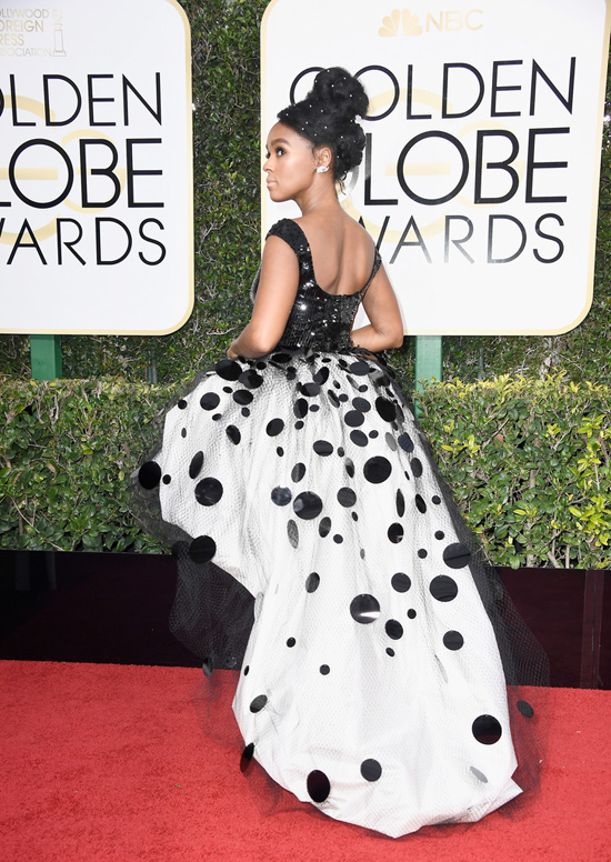 janelle-monae-moonlight-2017-golden-globe-awards-red-carpet-fashion-armani-prive-tom-lorenzo-site-6