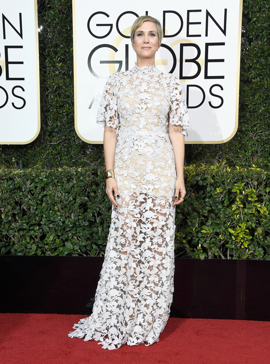 kristen-wiig-2017-golden-globe-awards-red-carpet-fashion-reem-acra-tom-lorenzo-site-2