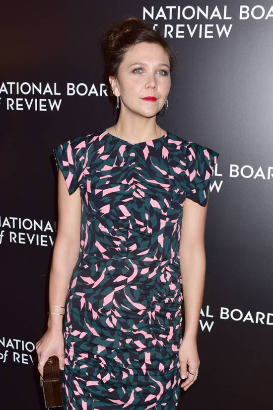 maggie-gyllenhaal-2016-national-board-review-gala-red-carpet-fashion-marni-tom-lorenzo-site-2