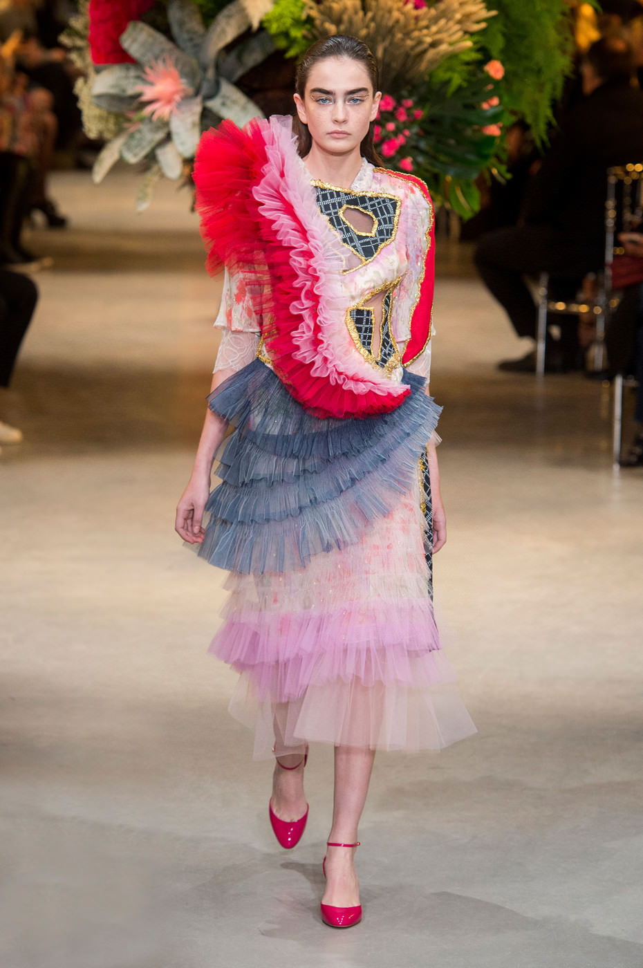 Viktor rolf spring 2017 couture collection tom lorenzo for Fashion couture