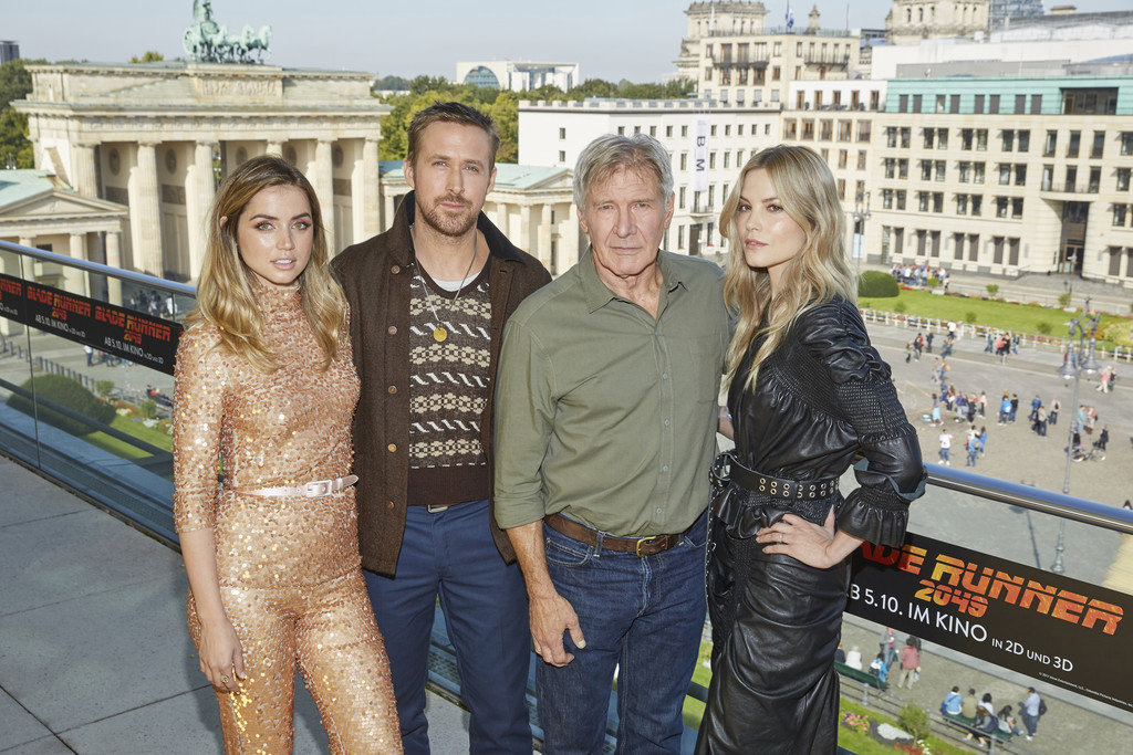 The Cast Of Quot Blade Runner 2049 Quot Do Varying Levels Of