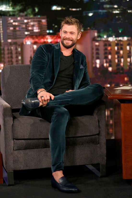 Chris Hemsworth Is Mr Smooth On Quot Jimmy Kimmel Live