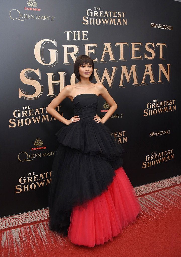 """cfd97c52a7 Zendaya Coleman Makes the Perfect Choice in Viktor   Rolf at """"The Greatest  Showman"""" World Premiere"""