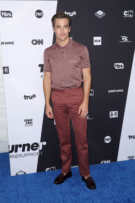 Chris Pine Works His Tuck at the 2018 Turner Upfront Presentation