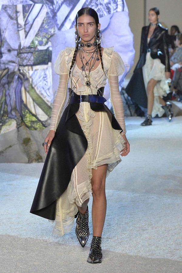14d24066cd46 Paris Fashion Week  Alexander McQueen Spring 2019 Collection