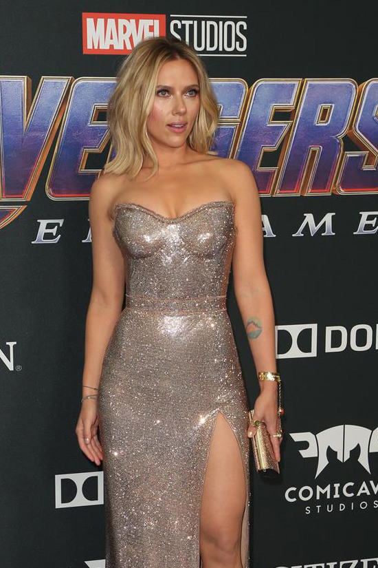 Brie Larson And Scarlett Johansson Thanos It Up At The